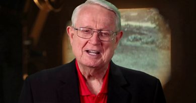 Young Chuck Swindoll Childhood Photos Age Family Height Weight