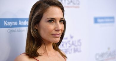 Young Claire Forlani Childhood Photos Age Family Height Weight