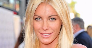 Young Crystal Harris Childhood Photos Age Family Height Weight