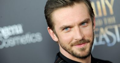 Young Dan Stevens Childhood Photos Age Family Height Weight