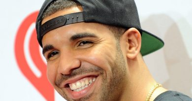 Young Drake Childhood Photos Age Family Height Weight