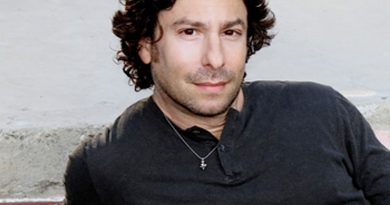 Young Jason Gould Childhood Photos Age Family Height Weight