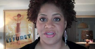 Young Kim Coles Childhood Photos Age Family Height Weight