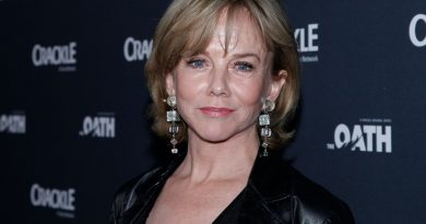 Young Linda Purl Childhood Photos Age Family Height Weight