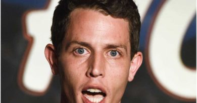 Young Tony Hinchcliffe Childhood Photos Age Family Height Weight