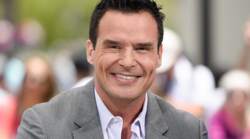 Young Antonio Sabàto, Jr. Childhood Photos Age Family Height Weight
