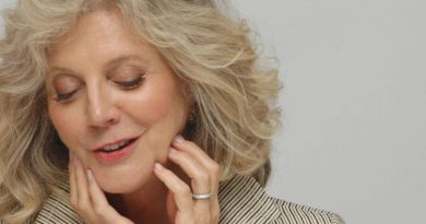Young Blythe Danner Childhood Photos Age Family Height Weight
