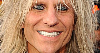 Young C.C. Deville Childhood Photos Age Family Height Weight