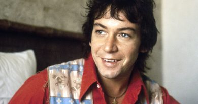 Young Eric Burdon Childhood Photos Age Family Height Weight