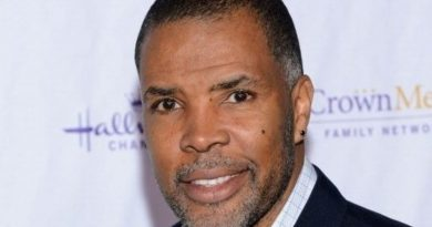 Young Eriq La Salle Childhood Photos Age Family Height Weight