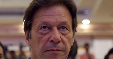 Young Imran Khan Childhood Photos Age Family Height Weight
