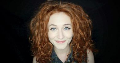 Young Janet Devlin Childhood Photos Age Family Height Weight