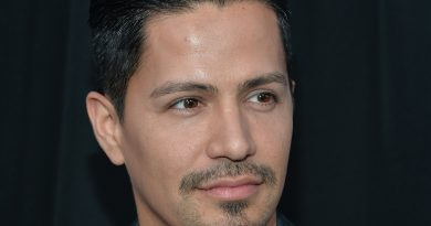 Young Jay Hernandez Childhood Photos Age Family Height Weight