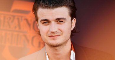 Young Joe Keery Childhood Photos Age Family Height Weight
