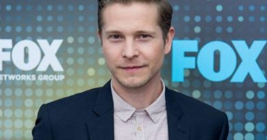 Young Matt Czuchry Childhood Photos Age Family Height Weight