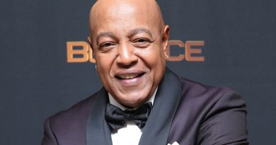 Young Peabo Bryson Childhood Photos Age Family Height Weight