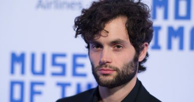 Young Penn Badgley Childhood Photos Age Family Height Weight