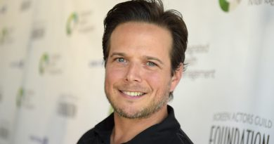 Young Scott Wolf Childhood Photos Age Family Height Weight