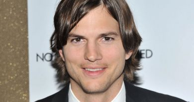 Young Ashton Kutcher Childhood Photos Age Family Height Weight