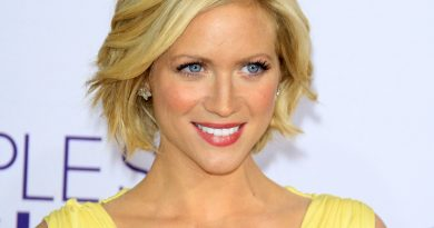 Young Brittany Snow Childhood Photos Age Family Height Weight