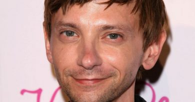 Young DJ Qualls Childhood Photos Age Family Height Weight