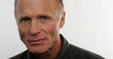 Young Ed Harris Childhood Photos Age Family Height Weight