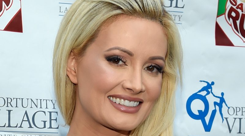 Young Holly Madison Childhood Photos Age Family Height Weight