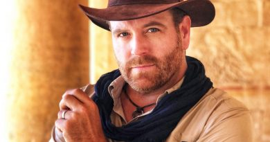Young Josh Gates Childhood Photos Age Family Height Weight