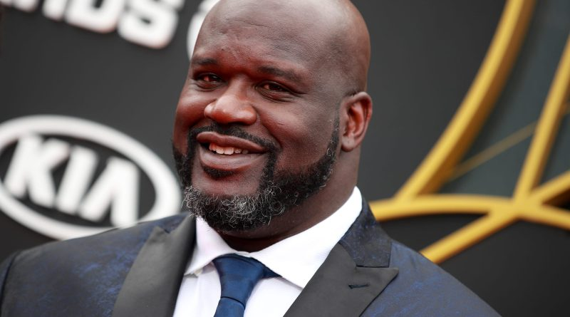 Young Shaquille O'Neal Childhood Photos Age Family Height Weight